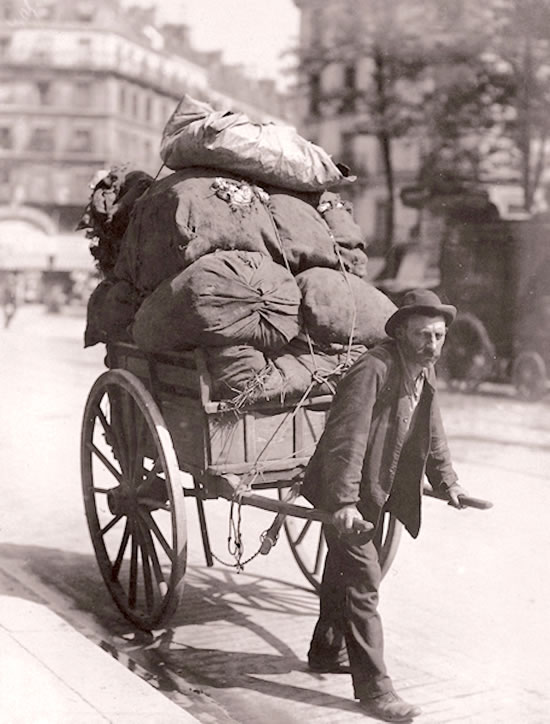 A Parisian rag and bone man in 1899